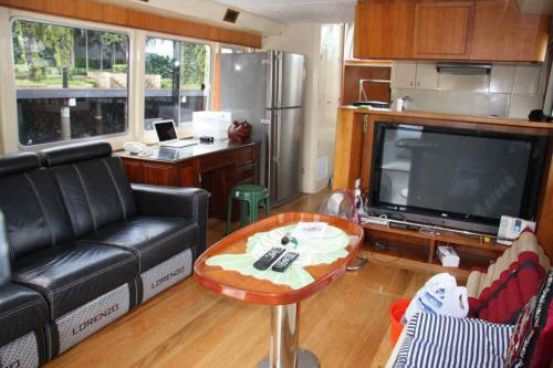 I48WV26JNZP5GED yacht7